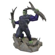 Marvel Gallery Avengers 4 Tracksuit Hulk Dlx PVC Statue