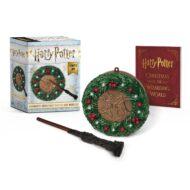 Harry Potter Hogwarts Christmas Wreath and wand Set