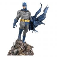 DC Gallery Batman Defiant PVC Statue